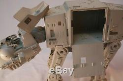 RARE VINTAGE 1981 KENNER STAR WARS AT-AT WALKER VEHICLE with Complete AT-AT Driver