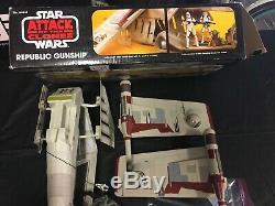 Star Wars Clone Wars ROTS AOTC Vintage Collection TRU Exclusive Republic Gunship