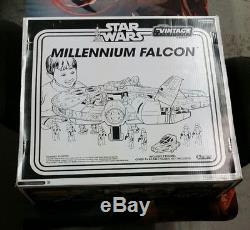 Star Wars Millenium Falcon Vintage Collection 2012 Toys R Us Exl. SEALED